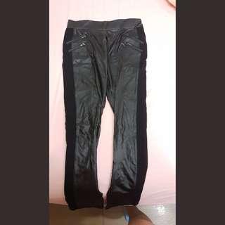 🚚 皮褲 Faux leather legging