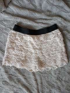 F21 lace shorts