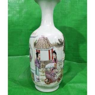 Rare Lady Pushing Baby Car Theme Vase 稀有的仕女推婴儿车主题花瓶