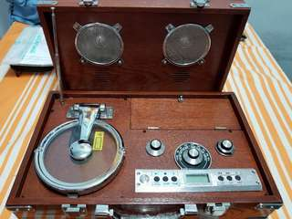木殼CD 收音機
