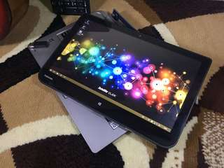 Toshiba Click Laptop and Tablet Keren