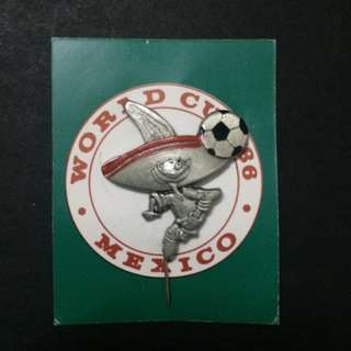 Vintage World Cup 86 pin