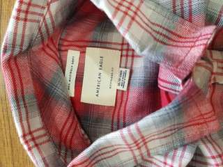 AMERICAN EAGLE AHH MAZINGLY SOFT PLAID BOYFRIEND SHIRT - RED
