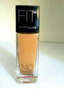 Maybelline Fit Me Foundation shade 240 Dewy Mmooth