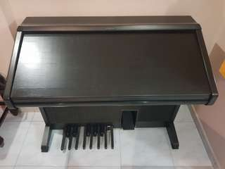 Selling vintage Piano