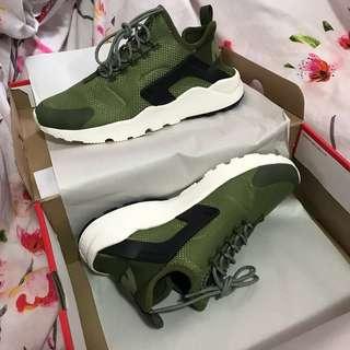 Nike Air Women's Huarache Ultra Run Shoes Olive Green