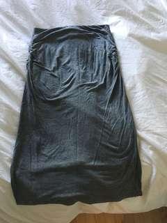 Cute grey 3/4 length joe fresh skirt