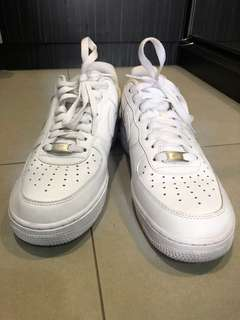NIKE AIRFORCE 1 barely used