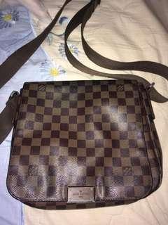 Louis Vouiiton Sling Bag