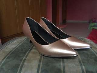 Rose gold nude kitten heels