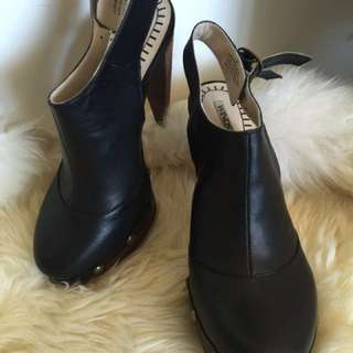 Windsor Smith size 37