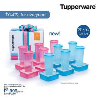 Tupperware party favors set