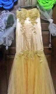 Mermaid Gold Peach Gown long dress dengan tile dan bordir