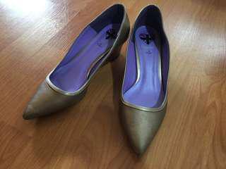 Rad Russell London, EU 38, gold heels