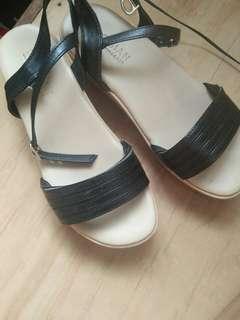 Parisian Sandal Wedge Size 5-6