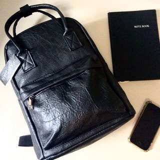 Parisian Anello-ish Leather Backpack (Brandnew with Tag)
