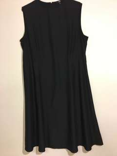 Uniqlo Black Sleeveless Fit and Flare Dress Size L Perfect Office Dress