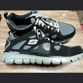 Sepatu Skechers Memory Foam f65059e35d