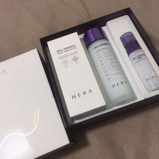 STEAL PRICE!! Hera Cell Essence gift set (full size)