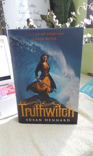 Susan Dennard Truthwitch