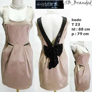Dress elegan new bukan preloved tetapi ada defect