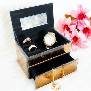 Tempat aksesoris kotak jewelry accessories box perhiasan penyimpanan storage fancy stuff shabbychic vintage kado hadiah gift perlengkapan rumah kamar bedroom home decoration dekorasi unik murah cantik