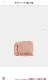 DICARI! pullnbear pink slingbag