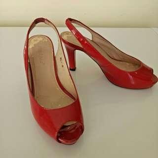 Red highheels