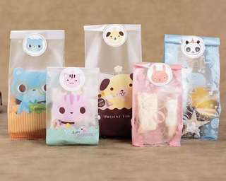 Hello Kitty gift bags for party favors!