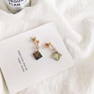【現貨】歐美極簡風天然貝殼瑪瑙小圓珠幾何耳鉤耳夾耳環