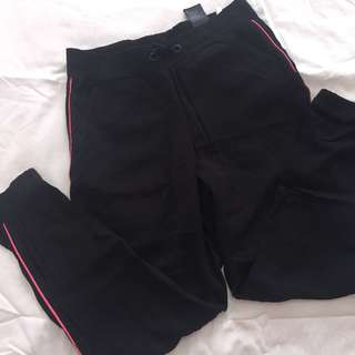 Authentic H&M sweatpants with pink lining