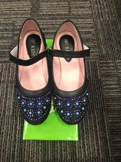 Girl glittery shoes