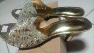 Sandal M & C