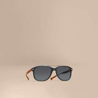 Burberry Sunglasses BE4233