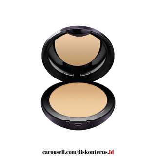 Lakme Intense Wet & Dry Compact Powder 05 Beige Honey