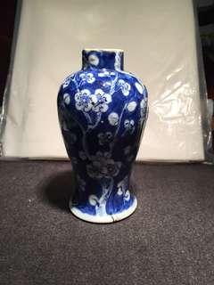古董 清青花冰梅纹瓶