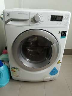 Almost New Washing + Dryer 2in1 Machine