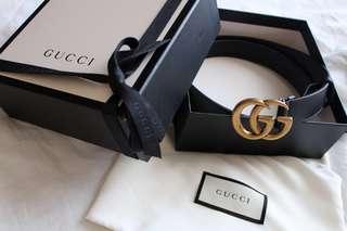 Gucci belt w/ double G buckle