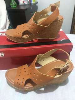 MSE Wedge sandals