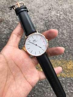 Daniel Wellington Watch (Buy 1 FREE 1 NANO STRAP)