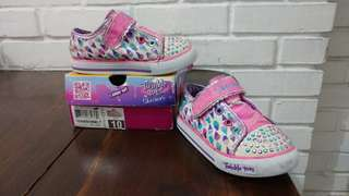 Skechers Twinkle Toes size 26.5 with Lights On Off