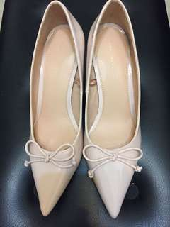 Zara shoes size 39 New Pink color 2.5 in heel