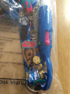 Star Wars lanyard pen set SIA Singapore airline kids collectibles Chewbacca r2d2 hans solo Princess Leia 7-12 age group