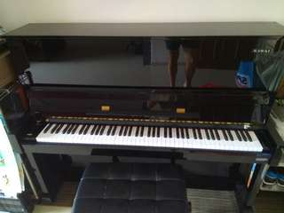 Selling Kawai made in japan). Upright exam piano.Model is CL3