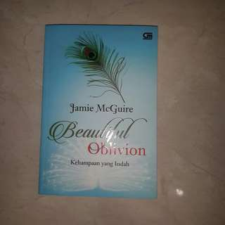 Beautiful Oblivion (Kehampaan yang Indah) by Jamie McGuire