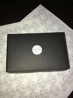 🚚 Black Giftbox Mini