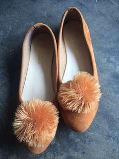 Flatshoes bulu