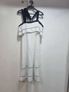 Casual black & white dress