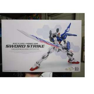 Dragon Momoko Sword Strike Gundam Unbuilt