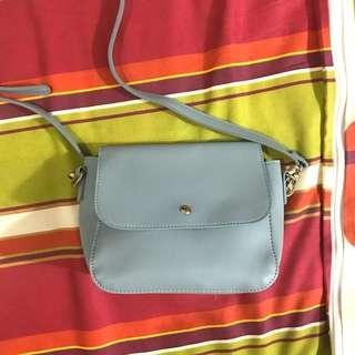VNC sling bag baby blue